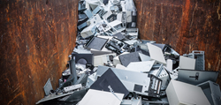 In 2014 alone, R.A.K.I. recycled an estimated 200 tons of electronic equipment.